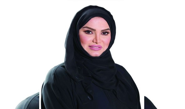 """صوت الإمارات - وزير الاقتصاد يصف المرأة الإماراتية بـ""""عنوان الريادة"""""""