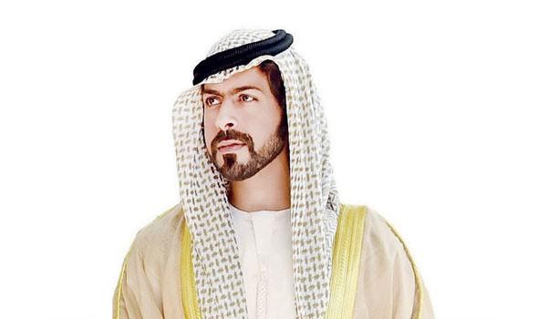 صوت الإمارات - الشيخ خليفة بن طحنون آل نهيان يواصل زياراته لأسر الشهداء