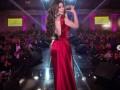 صوت الإمارات - هيفاء وهبيت تتألق بفستان أحمر مكشوف الظهر