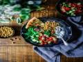 صوت الإمارات - أطعمة ظاهرها الصحة وباطنها المرض أبرزها العسل والزبادي