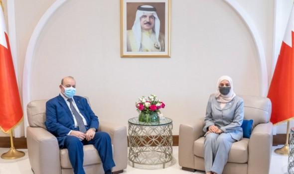 صوت الإمارات - صقر غباش يعقد جلسة مباحثات مع رئيس مجلس النواب البحريني