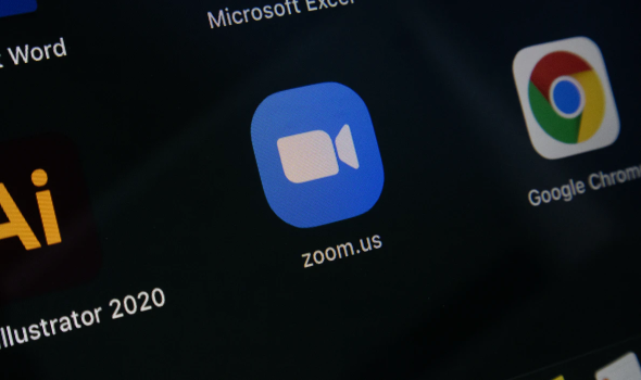تطبيق زووم يواجه  صعوبات وانقطاع تام للخدمة في شتى أنحاء العالم