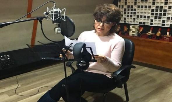 صوت الإمارات - الفنانة المصرية أنوشكا تعود إلى الغناء بعد سنوات طويلة من الغياب