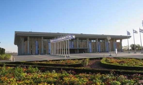 صوت الإمارات - إيمان الخطيب ياسين أول محجبة بالائتلاف الحاكم في إسرائيل