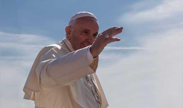 """صوت الإمارات - البابا فرنسيس يلتقي أعضاء لجنة تحكيم """"زايد للأخوة الإنسانية 2022"""""""