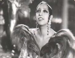 """صوت الإمارات - الأميركية جوزفين بيكر أول امرأة سمراء ترقد في البانتيون """"مقبرة العظماء"""" في باريس"""