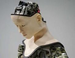 """صوت الإمارات - الممرضة """"غريس"""" روبوت نابض بالحياة لتقديم الدعم النفسي"""