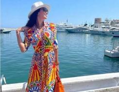 صوت الإمارات - فساتين مطبّعة بالأزهار تناسب مختلف الإطلالات